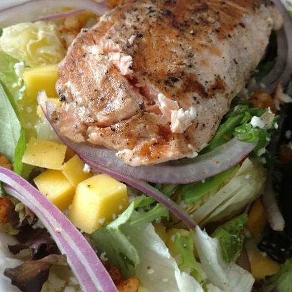 Summer Salad With Mango Thyme Vinegarette