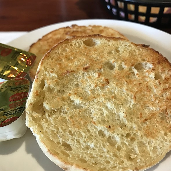 English Muffin @ Corkys Restaurant & Bar