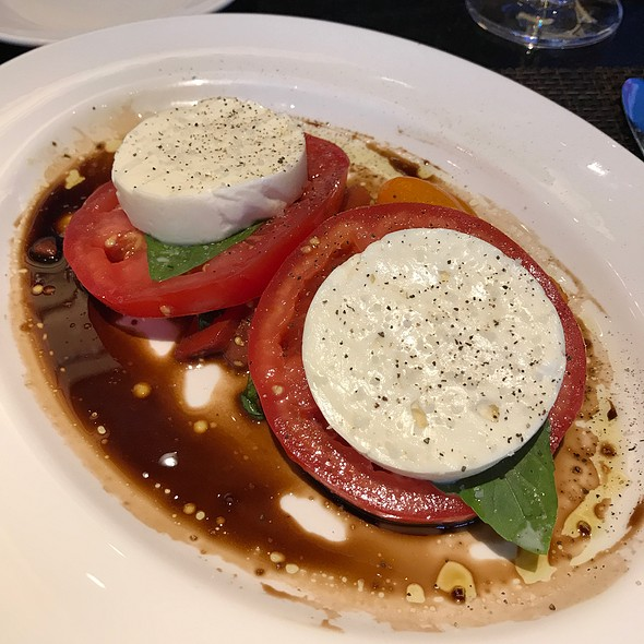 Fresh Mozzerella, Tomato And Basil @ The Capital Grille
