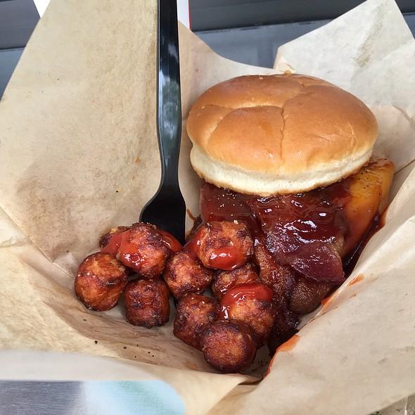 Western Burger & Sweet Potato Tots @ Indianapolis Zoo Pavilion Cafe