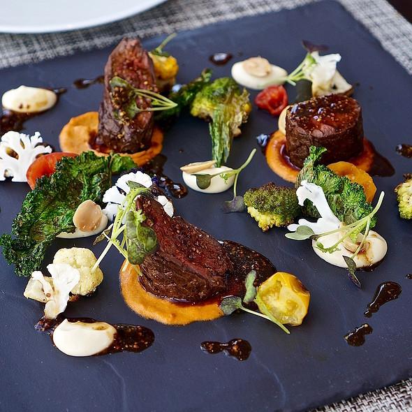 Prime hanger steak, romesco, roasted cauliflower, mustard jus