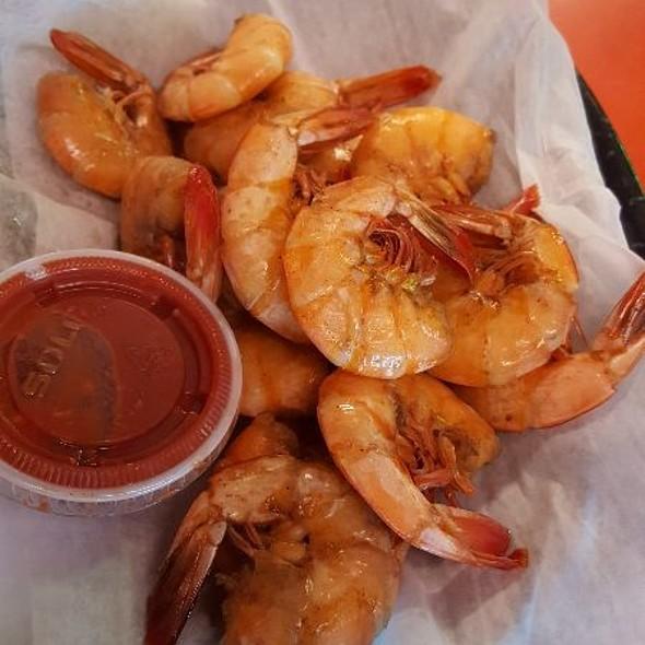 Boiled shrimp @ Steamboat Bill's