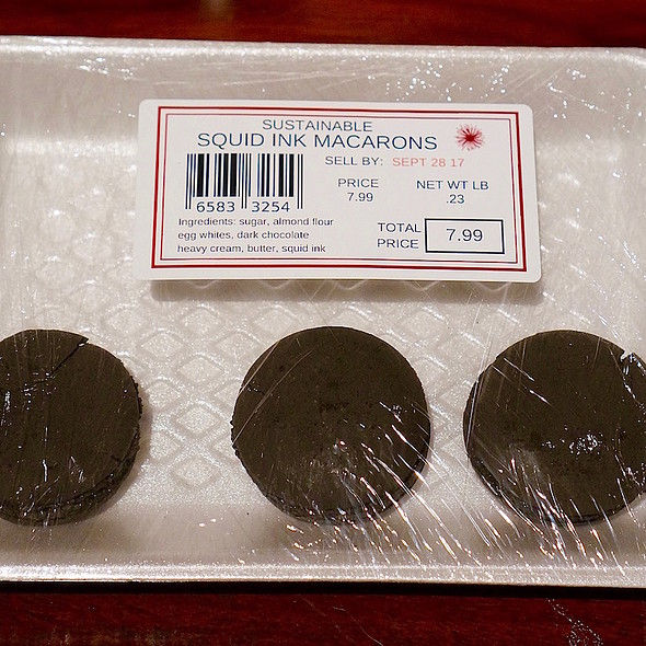 Squid ink macarons