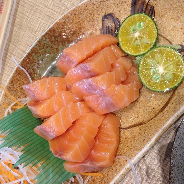 shake sashimi