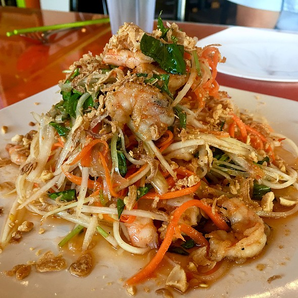 Green Papaya Salad With Grilled Shrimp @ Dao Tien Vietnamese Bistro
