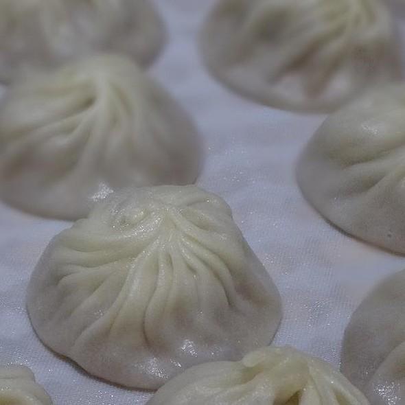Steamed pork dumplings @ Din Tai Fung - Raffles City