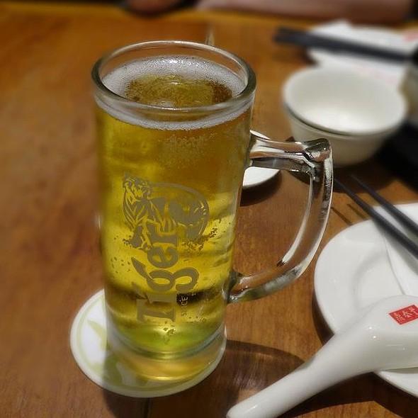 Tiger beer @ Din Tai Fung - Raffles City
