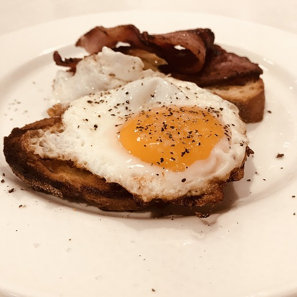 Bacon And Egg On Toast @ Mantra 2 Bond