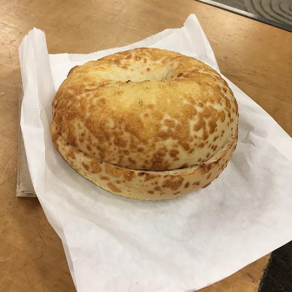 Toasted Bagel @ Buena Vista
