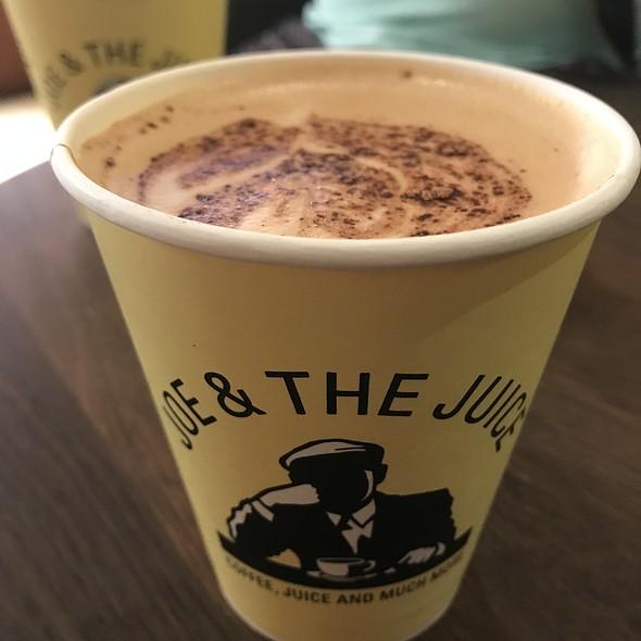 Cappuccino @ Joe and the juice
