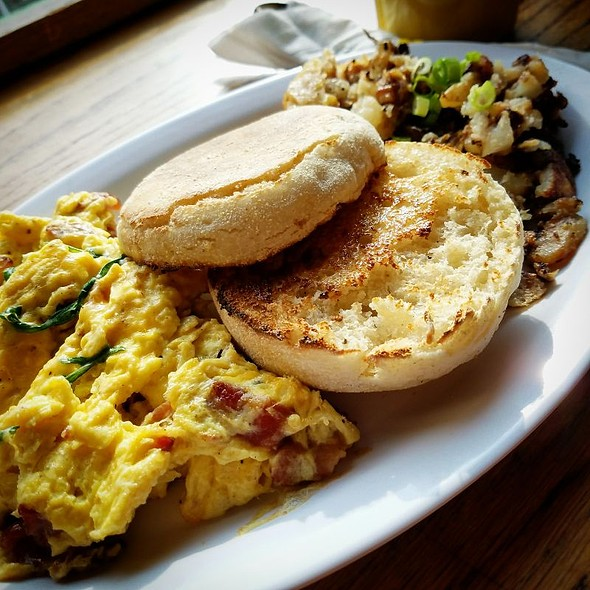English Muffin With Scrambled Eggs And Bacon