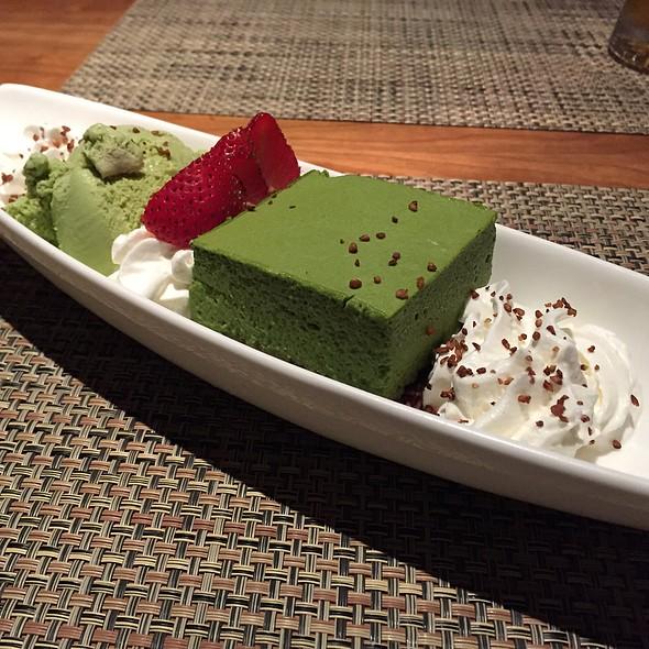 Green tea Cake @ Soba Totto