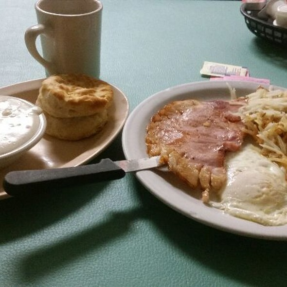 Eggs Ham Hashbrown Coffee Biscuit & Gravey