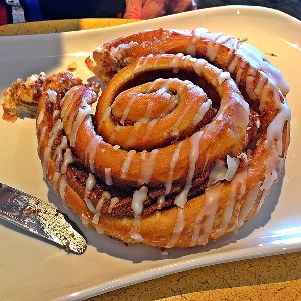 cinnamon roll @ Panera Bread