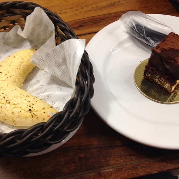 Chispa De Queijo E Torta Mousse