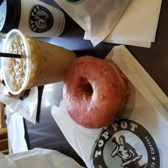 Rasberry Old fashioned Donut @ Top Pot Doughnuts