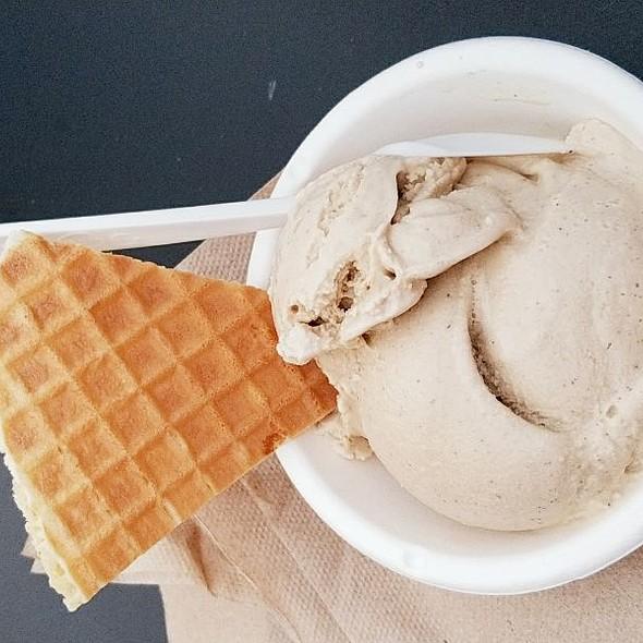 Churro & Ice Cream @ Jeni's Splendid Ice Creams