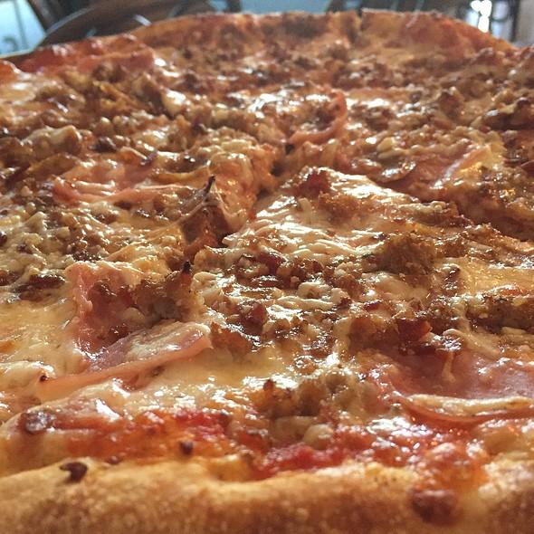 Three Little Pigs @ Bella Italia Pizzeria & Restaurant