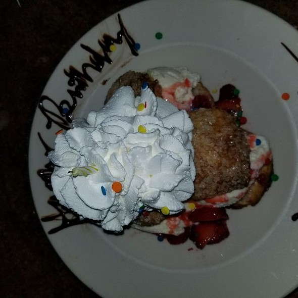 Stawbwrry Shortcake Bday Dessert @ Cheescake Factory