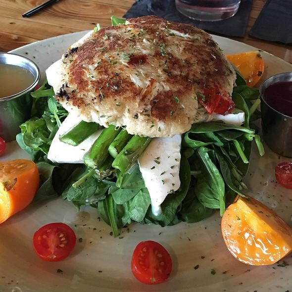 Grilled Crabcake Salad