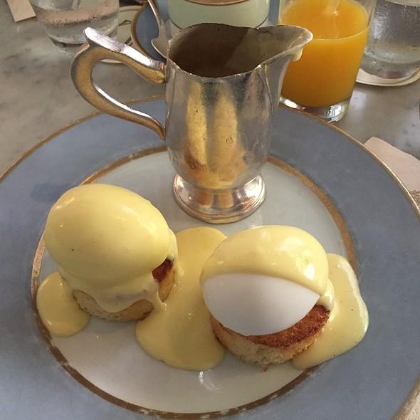 Benedictine Poached Eggs