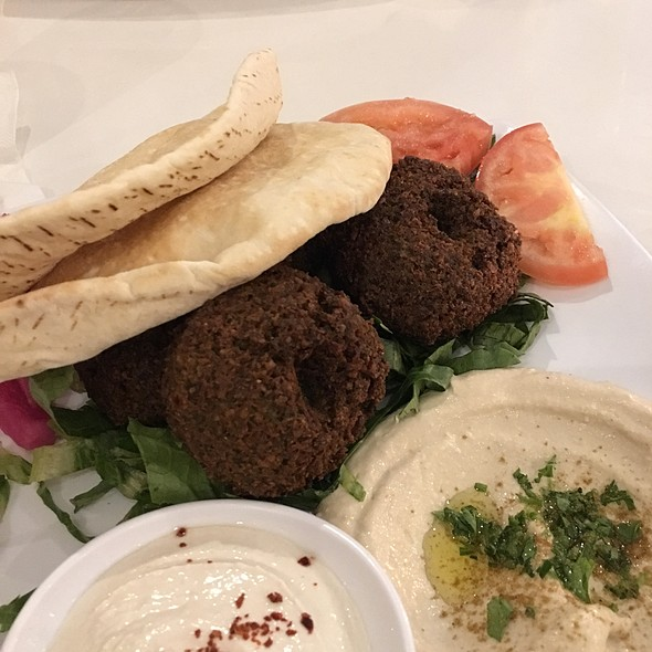 Falafel Plate @ The Diplomat Eatery and Tavern