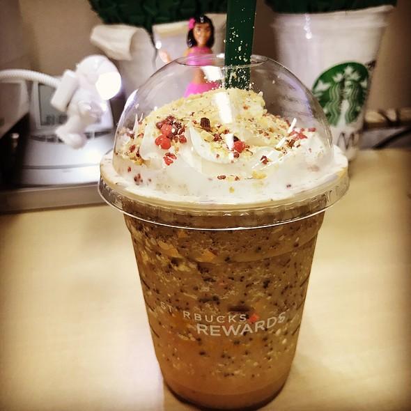 Almond Milk & Granola Frappuccino @ STARBUCKS COFFEE
