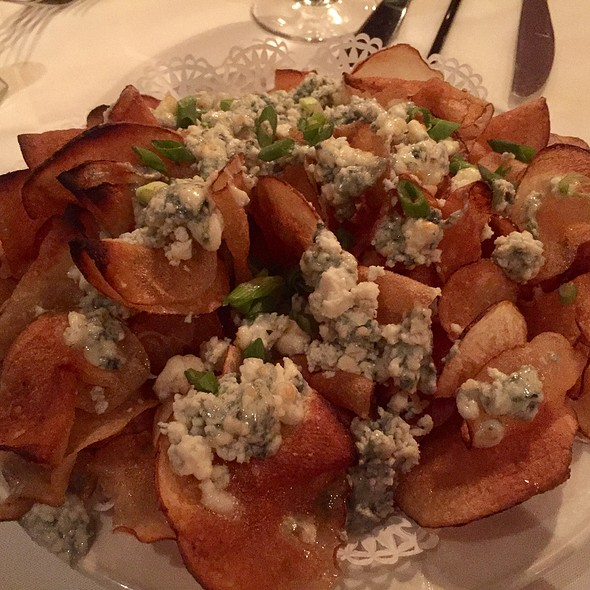 Housemade Potato Chips with Crumbled Blue Cheese and Scallions