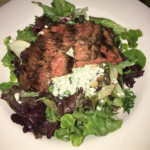 Big City Tavern Salad With Steak @ Big City Tavern