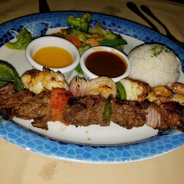 lobster shrimp steak kabobs