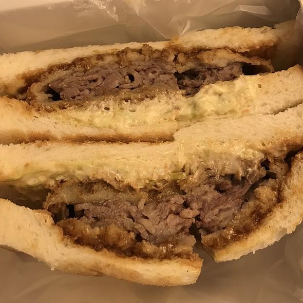 Nakanoshima Beef Sandwich @ Shin Osaka Station