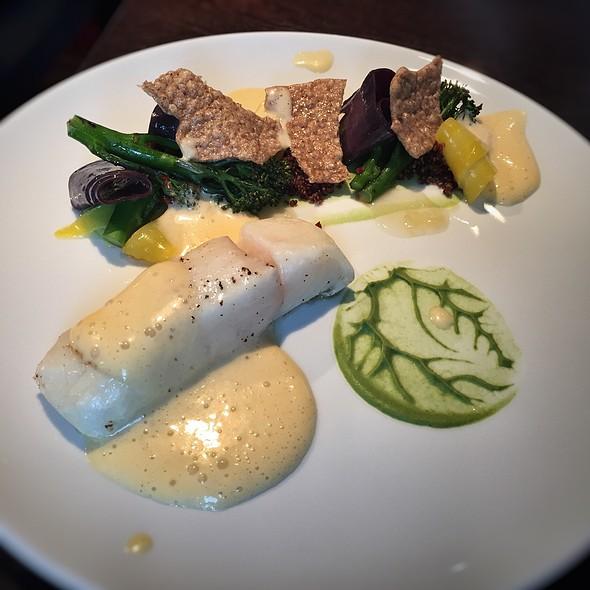 Halibut @ Koishi - sushi a rybí restaurace Brno