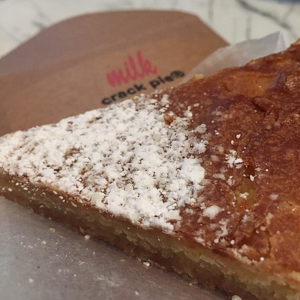 Crack Pie @ Momofuku Milk Bar
