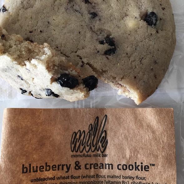 Blueberry & Cream Cookie @ Momofuku Milk Bar