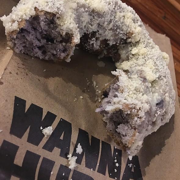 Blueberry Struesel Donut