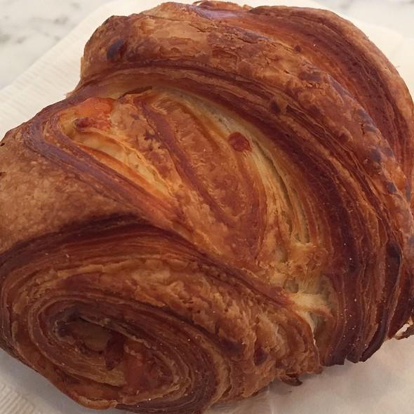 Bacon & Cheddar Croissant