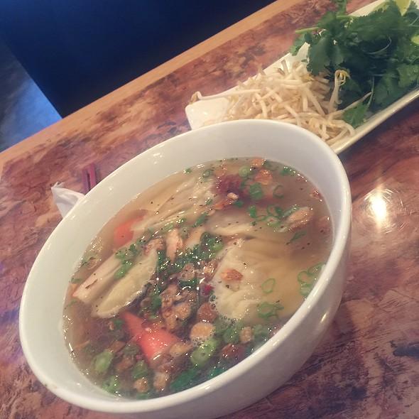 Wonton Soup @ Typhoon