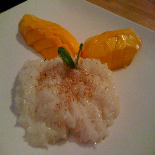 Sweet Coconut Rice With Mango @ Wat Dong Moon Lek Noodle