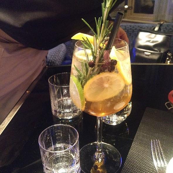 Gin And SAM Housemade Tonic @ Le Sam Bistro Evolutif