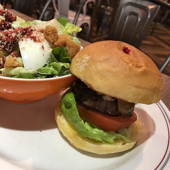Blue Cheese Beef Slider & Caesar Salad