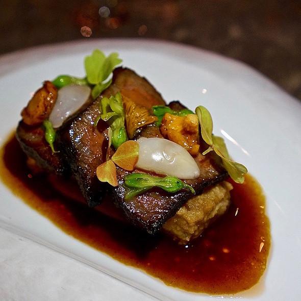 Australian wagyu beef short rib, crispy winter melon, girolles, langsat