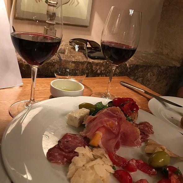 Wine & antipasti