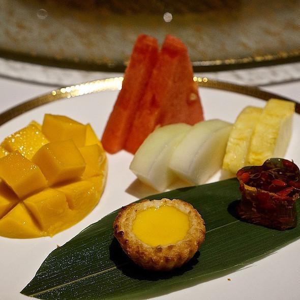Fresh fruit, egg tart, osmanthus jelly with goji berries
