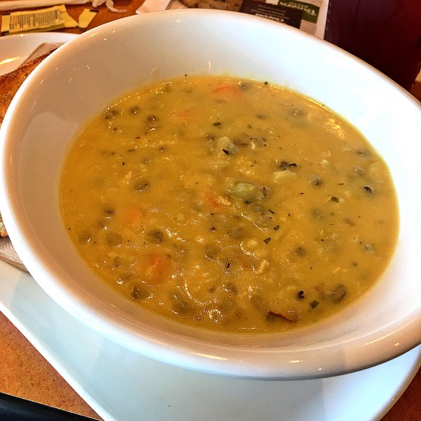Cream Of Chicken And Wild Rice Soup @ Panera Bread