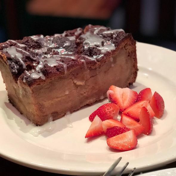 Cinnamon Roll Bread Pudding @ The  Grove - Yerba Buena
