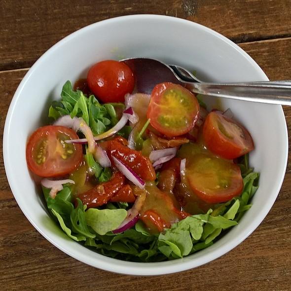 Green Rocket Side Salad @ Henry Burgers