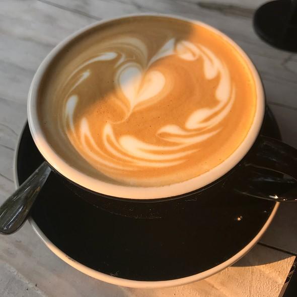 Capuccino @ Réveille Coffee Co.