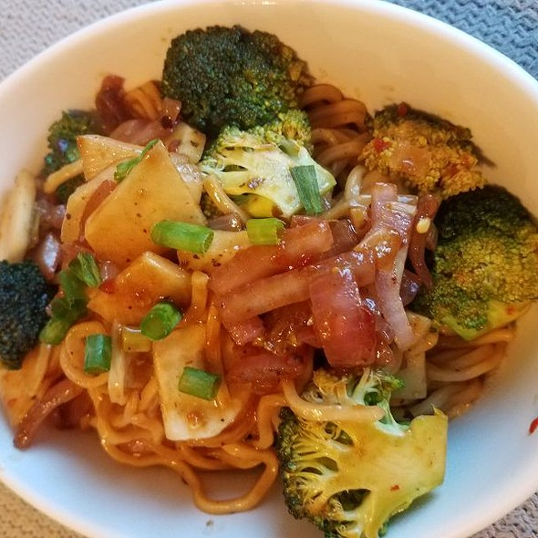 Spicy Sesame Lo Mein in Noodles