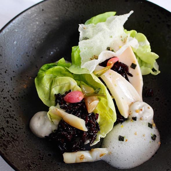 Dutch razor with squid, black dashi rice and yuzu sea foam