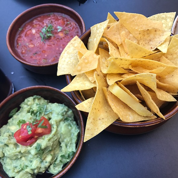 Guacomole And Chips